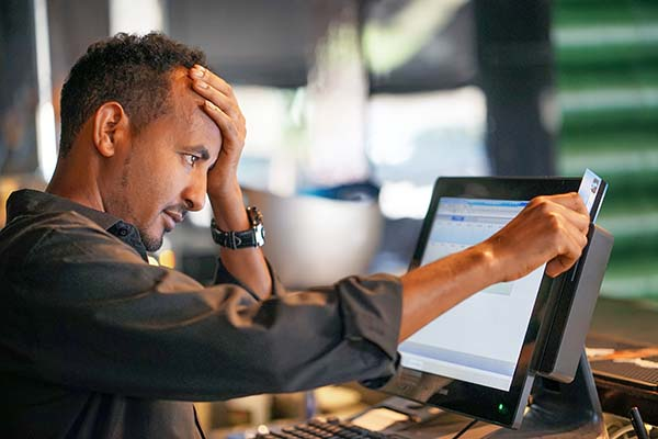 distraught customer with issues online purchasing